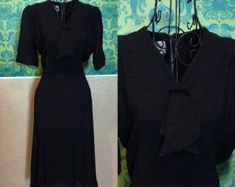 Vintage 1940s Dress - Crepe Little Black Dress - M
