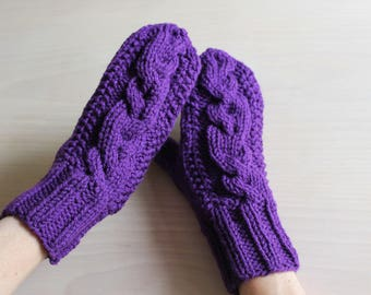 Womens purple cable knit mittens