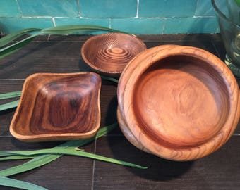 Mix Lot: 4 Vintage Teak Salad Bowls (Made in Thailand) and two beautiful misc. wood bowls.