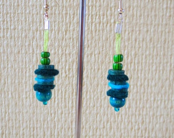 Earrings turquoise beads and 1 felt