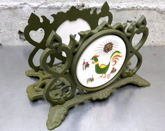 Vintage 1960's Enesco Japan Rooster Mail/Napkin/Letter Holder in Green Wrought/Cast Iron w/Round Ceramic Tile/Trivet Vintage Kitchen Decor