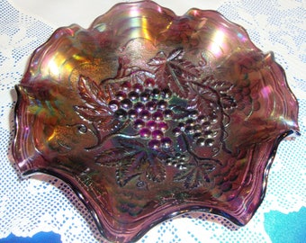 Original IRIDESCENT IMPERIAL Carnival Glass Bowl GRAPES And Leafs