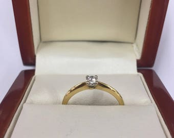 Vintage 1990s 18ct Yellow Gold Solitaire Diamond Ring Size M