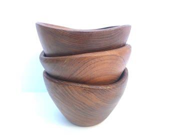 Small Wooden bowls -- Wood Small bowls -- Small Wood Bowls -- Small bowls -- Wooden Bowls -- Vintage wood bowls -- Vintage Small Wood Bowls