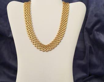 Gorgeous Napier goldtone necklace