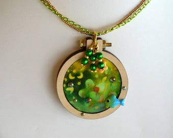 Necklace mini circle embroidery green yellow and gold