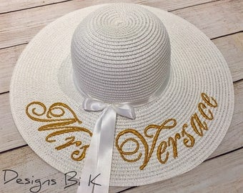 Mrs straw hat, Custom straw hat, Embroidered floppy hat, Personalized beach hat, Beach hat, Destination wedding, Honeymoon,  Gifts for her