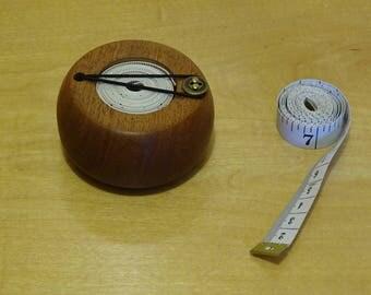 Tape measure tidy