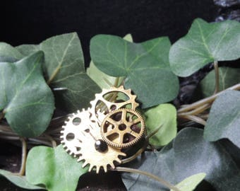 Small black and bronze steampunk brooch