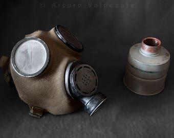 Czech Horak gas mask