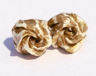 Boucles d'oreilles puces en origami rose, papier japonais à motifs dorés