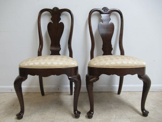 Pair Ethan Allen Georgian Court Shell Carved Dining Room Side Chairs A
