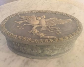 """Vintage ML Way Genuine Incolay Stone """"Love Doves"""" White And Blue Green Oval Jewelry Box."""
