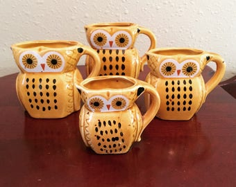 Vintage Owl Family Set of 4 Measuring Cups 1970's Kitchen Decor Yellow Retro Owls