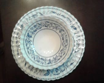 J&G Meakin English Staffordshire Legato Classic White 10 inch round dinner plates