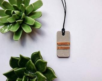 Concrete necklace with Cork