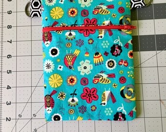 """8""""x5.5"""" Zippered, Fully Lined Crossbody Bag Featuring Birds and Feathers"""