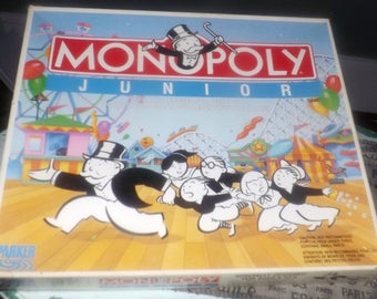 Vintage (c.1990) Monopoly Junior board game by Parker Brothers. Canadian bilingual (English | French) edition. Missing 1 piece.