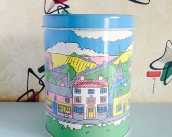 1980s, Street Scene, Recency Ware Tin/Kitchen Canister in Pastel Colours