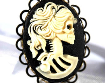 Steampunk cameo skeleton woman skull rockabilly black and white lolita skull ring