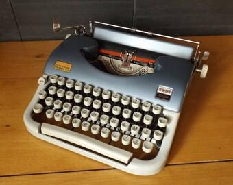Typewriter JAPY vintage Script / typewriter made in France / typewriter collection