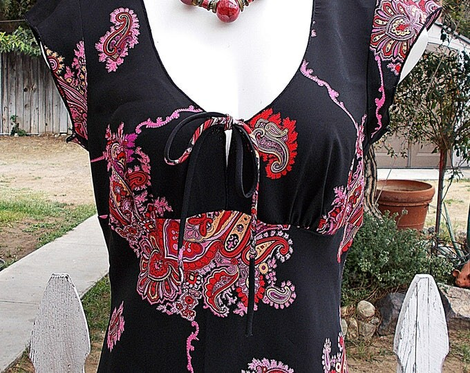 Vintage 90s Rampage Black Red Pink Paisley Polyester Womens Casual Below The Knee Cap Sleeve Career Dress