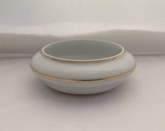 Limoges Porcelain Pot/Trinket dish ( Ref no. A104 )