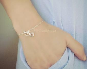 Origami Boat Bracelet - Boat Jewelry - Origami Jewelry - Paper Boat - Dainty Chain - Silver - Gold - Chain Bracelet - Best Friend Gift - BFF
