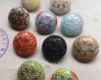 10 Old collectors/glass knobs-A large collection of a series-heart pattern (176b)