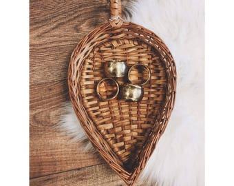 Vintage Tear Drop Shaped Basket Tray / Vintage Wicker Basket / wicker basket with handle