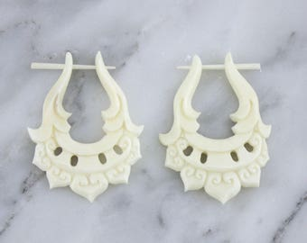 Sheiked Fake Bone Post Earrings