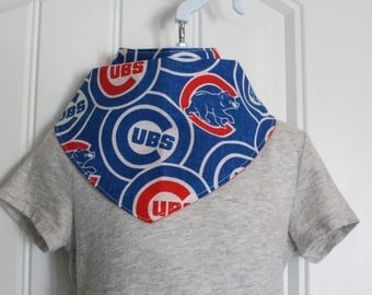 Chicago Cubs ** Cotton/Flannel Bandana Drool Bib - Royal Blue/Red/White Chicago Cubs with red flannel back.