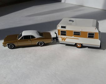1967 Chevy Chevelle Towing a 1964 Winnebago Glamper Camper Travel Trailer 1/64 Scale Metal Adult Collectible Model Car and Camper Trailer