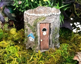 Miniature Ivy Trail Stump Planter with Door
