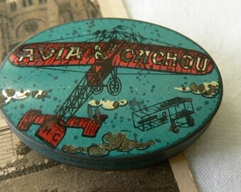 Very old box of sweets Avia Cachou early XXth litographie Aviation