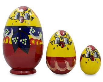 """4.75"""" Set of 3 Hen and Chicks Wooden Russian Nesting Dolls"""