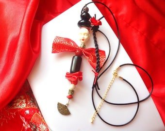 Geisha, Plait and bun, fan, red lips character necklace