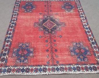 "Red Persian rug, antique rug, red vintage rug. Size: 4'10"" x 6'6"""
