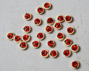 5 wooden ladybugs set 70 buttons