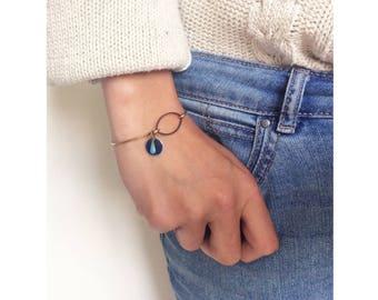 ANNIE ▷ bronze Bangle Bracelet, drop pendant turquoise & Midnight Blue Medallion. (style chic, ethnic, boho, minimalist)