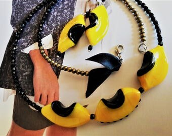 Necklace yellow glass earings