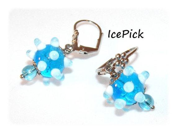 Kind of Designer [IcePick] blue/white earrings
