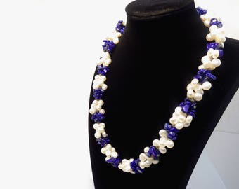White Pearls and Lapis Lazuli necklace