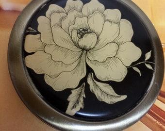 Vintage Compact Mirror with Rhinstone Closure, Vintage Brass Tone Pocket Mirror