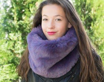 Ultraviolet fur cowl / Purple cowl scarf / Faux fur cowl scarf / Fur infinity cowl / Infinity scarf / Ultraviolet women scarf / Winter scarf