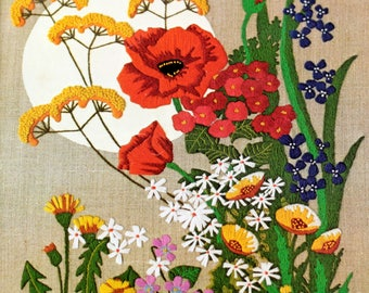 Poppies and Wildflowers Bright and Naturals Vtg Crewel Embroidery Kit Linen Wool Yarn