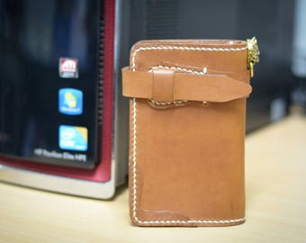 middle wallet leather