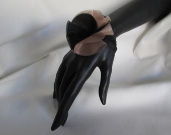 Bracelet half sphere organza sash