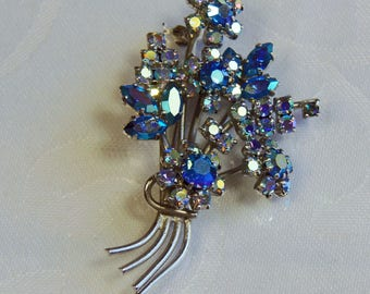 Vintage, Blue Aurora Borealis Brooch (LC12)