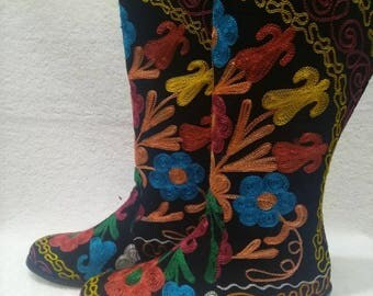 Suzani boots....Every size and calf size is possible..Colorfull hand made...